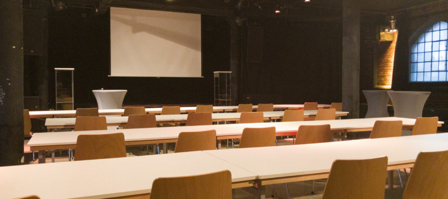 KUFA Halle bestuhlt mieten für ein Firmen Event