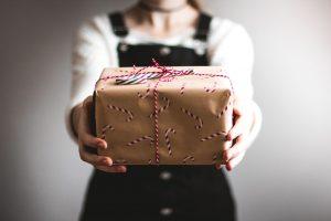 Geschenk, Paket, geben, Mädchen