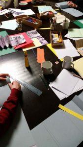 Workshop zum Thema Buchbinden im Faserwerk der KUFA