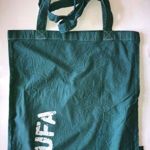 smaragdgrüner Jutebeutel mit Aufdruck KUFA-Logo