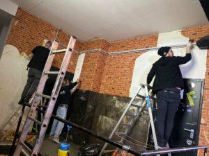 Wände streichen, renovieren, neugestalten. Das Nachtteam in Zeiten von Corona.